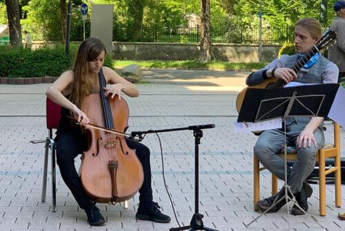 Teresa Álvarez García (Violoncello) & Lukasz Walda (Gitarre)