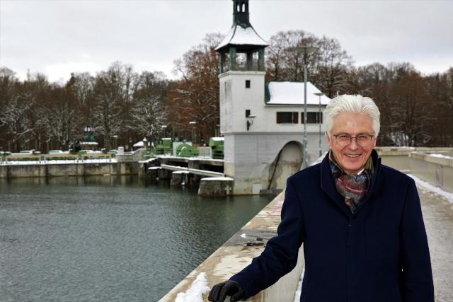 Rolf Settelmeier, Vorstandsvorsitzender Stadtsparkasse Augsburg, setzt zukünftig auf Ökostrom aus Wasserkraft