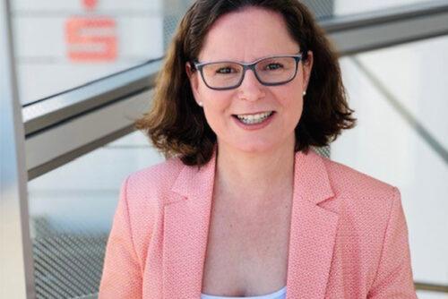 Beruflich und privat engagiert: Sparkassen-Vorstandsassistentin Ingrid Funk-Kaestl